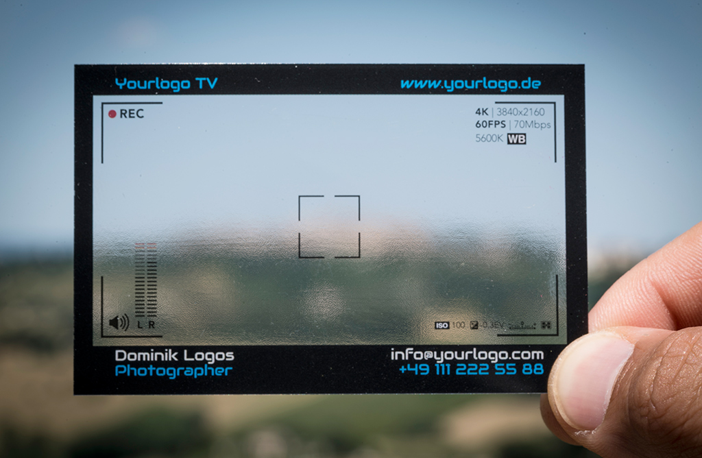 Identical business card for photographer, videomaker, photographer, offset-uv printed on 400 micron gloss pvc, black outline and white lettering with translucent background, realized by CREA TO PRINT.